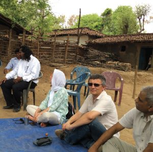 Presentation and negociation with the villagers